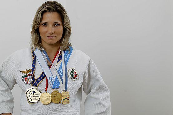 Ouro para Telma Monteiro