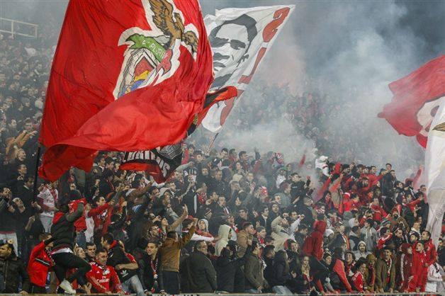 Resumo : Estoril 1-2 SL Benfica