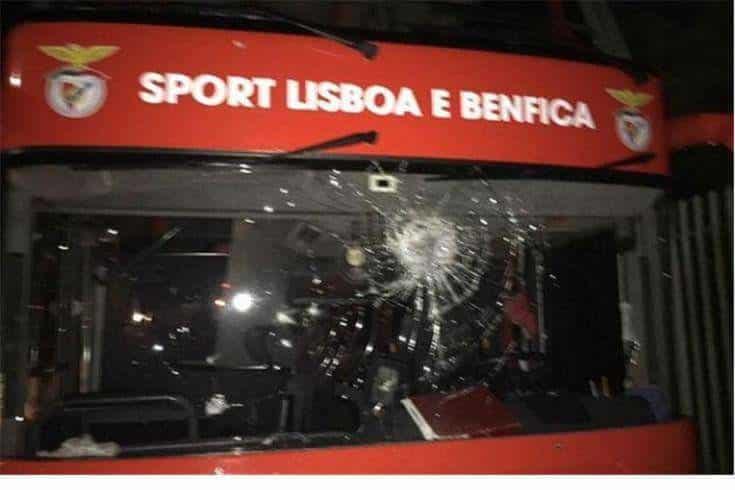 Adeptos do FC Porto ameaçam provocar distúrbios junto do hotel do Benfica