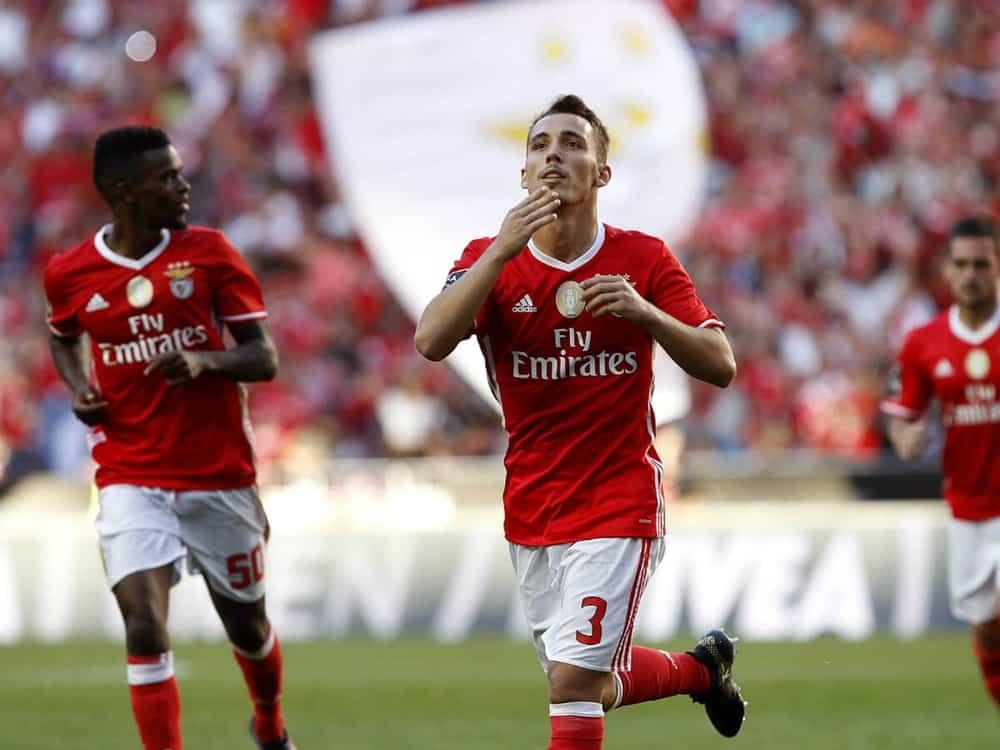 Resumo: SL Benfica 4-0 Feirense