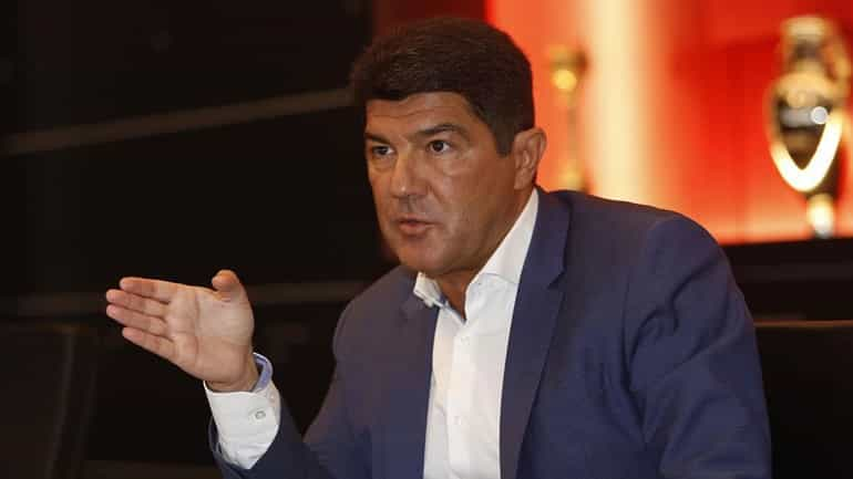"""Luís Bernardo: """"todos os comentadores têm a sua cartilha e os clubes com estruturas profissionais a obrigação de ter preparados dossiers informativos."""""""