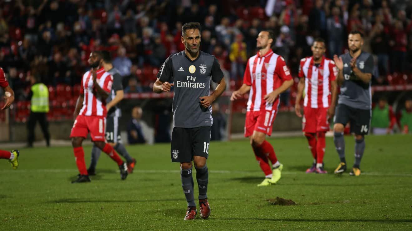 Liga aplicou castigo ao presidente do Benfica pelas palavras no camarote e não reage ao que se passou nas Aves