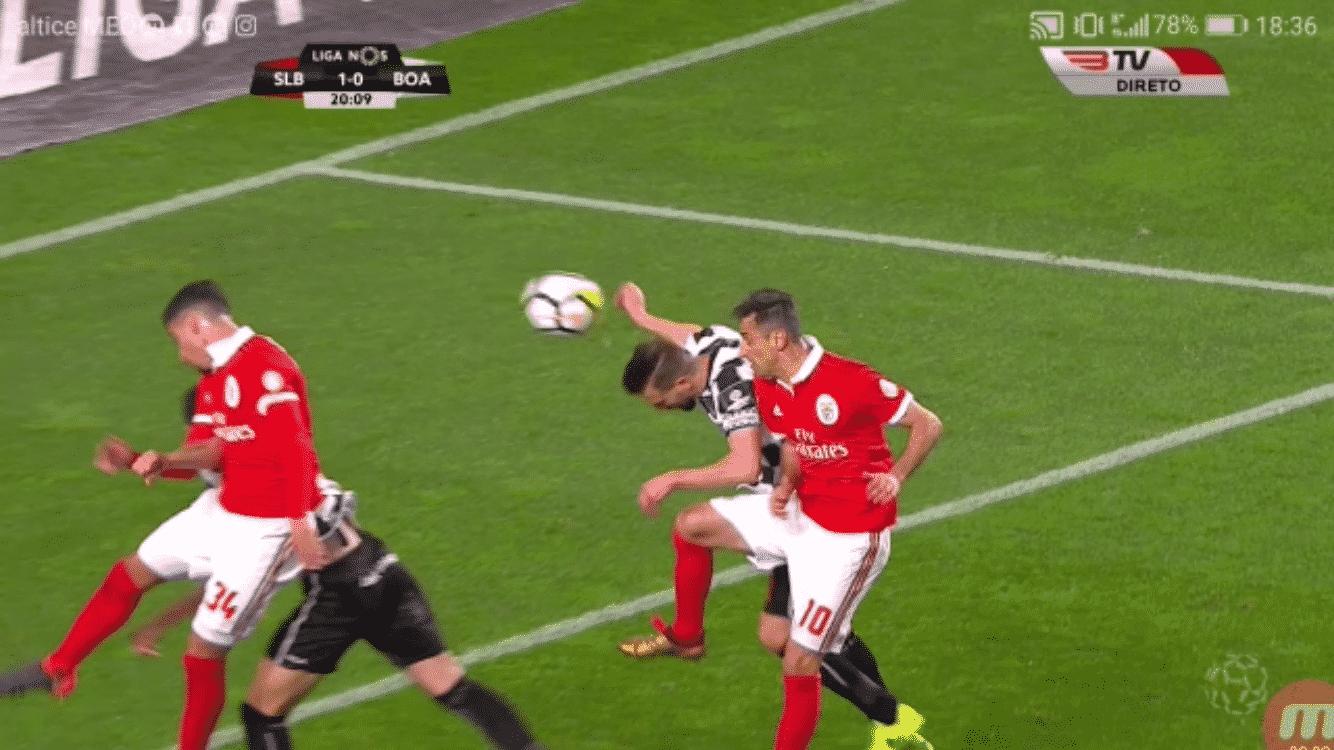 18d52f7198 Liga da VARgonha volta atacar o Benfica